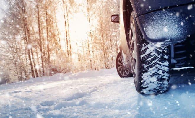 vitesse avec des pneus neige